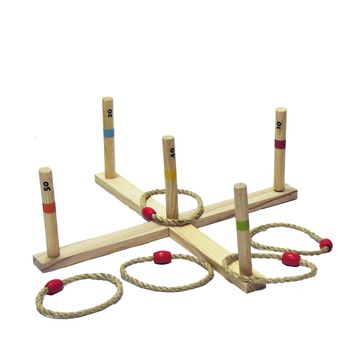 Outdoor play ring toss game