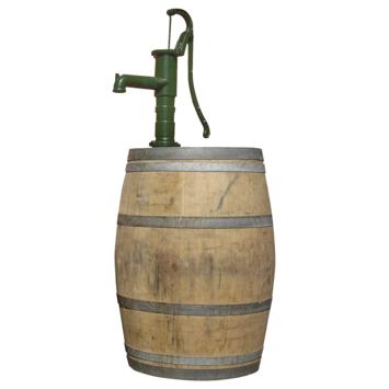 Houten regenton kastanje 225 liter met gietijzeren handpomp