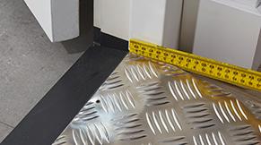 Aluminium drempelhulp installeren - stap 2