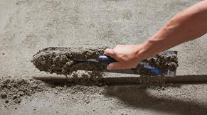 Regel verwijderen en vloer schuren