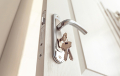 Inbraak-voorkomen_sleutel_binnenkant_deur