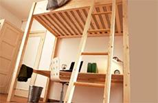 Meubels van hout maken - Hoogslaper met bureau