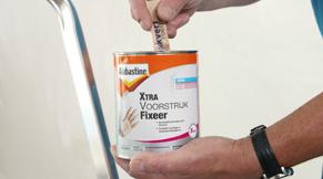 Gebruik voorstrijk fixeer middel als er in het verleden witkalk is aangebracht
