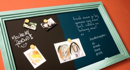 Schoolbord met magneetverf