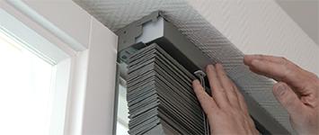 Raamdecoratie - Horizontale jaloezieën hout idd
