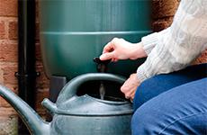Hoe kunt u regenwater recyclen?