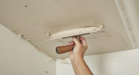 Lees hier hoe u het plafond kunt stucen.
