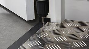 Aluminium drempelhulp installeren - stap 3