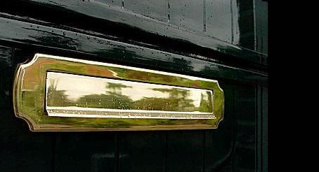 Brievenbus in deur aanbrengen