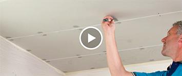 Beeld: gipsplaten plafond plamuren
