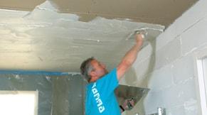 Smeer het plafond dicht